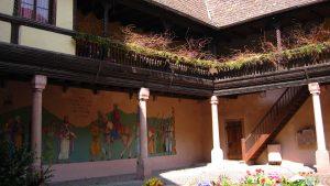 Cours intérieure à Kaysersberg