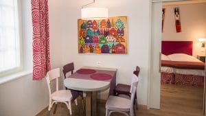 vue sur la chambre de l'appartement n°50 Béri aux Loges les Remparts à Kaysersberg